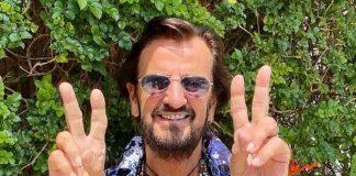 """Ringo Starr comemora seu aniversário de 81 anos promovendo """"paz e amor"""""""