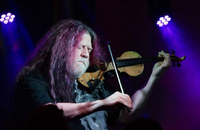 Robby Steinhardt, cofundador e ex-violinista do Kansas, morre aos 71 anos de idade