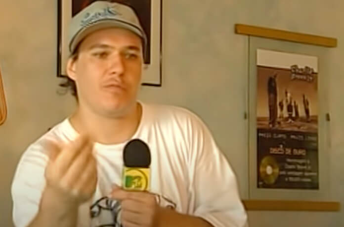 Chorão na MTV em 2000