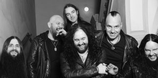 """Sinsaenum faz homenagem a Joey Jordison e diz: """"fizemos tudo ao nosso alcance para ajudá-lo"""""""
