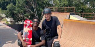 Lil Nas X e Tony Hawk provam que estão bem após polêmica com skate pintado com sangue
