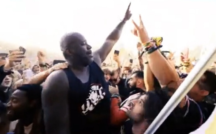 Shaquille O'Neal Stage Dive