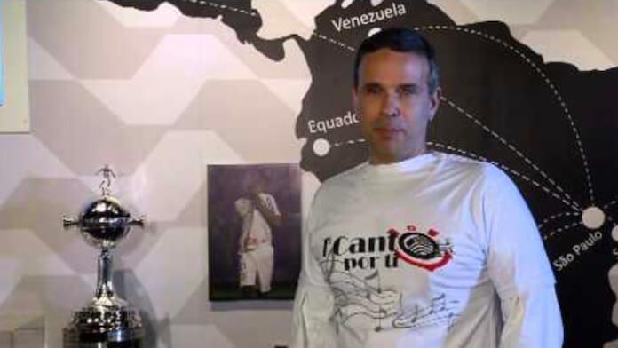 Dudu Braga, filho de Roberto Carlos, com camisa do Corinthians