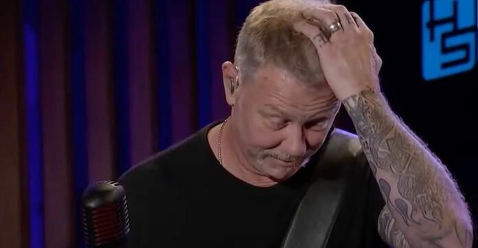 Lars Ulrich relembra o soco que levou de James Hetfield