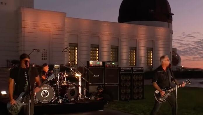Metallica faz show em cartão postal de Los Angeles