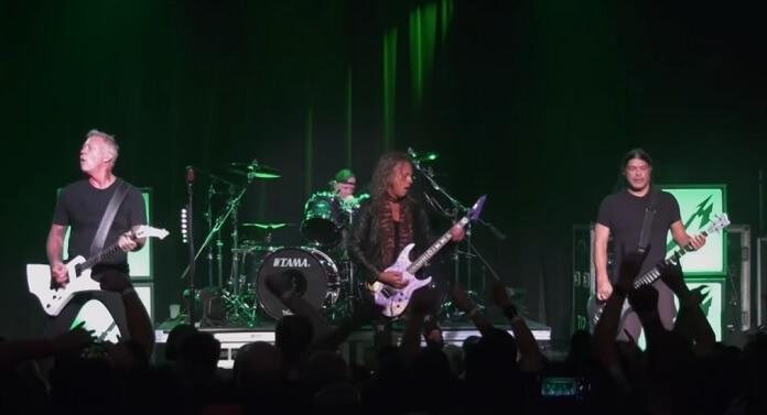 Vídeo: Metallica compartilha performance poderosa de