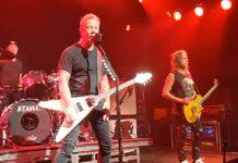 """Metallica realiza show """"surpresa"""" só para vacinados; assista aos vídeos"""