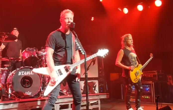 Metallica realiza show